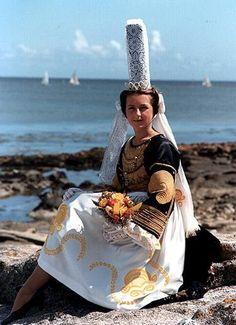 Bigouden - coiffe et tenue traditionnelle bretonne - Bretagne - France