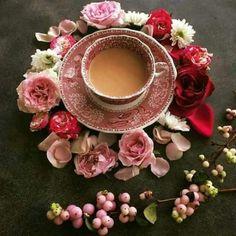 Raindrops and Roses : Photo Coffee Dessert, Coffee Drinks, Raindrops And Roses, Good Morning Coffee, Breakfast Tea, Coffee Photography, Tea Art, I Love Coffee, Coffee Pics