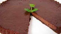 Tarta de Caramelo Parsley, Tiramisu, Herbs, Plants, Food, Pistachio Ice Cream, Carmel Cake, Cookies, Homemade Pop Tarts