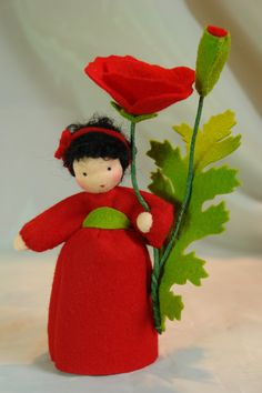 Red Poppy Flower Child Waldorf Inspired by KatjasFlowerfairys Waldorf Crafts, Waldorf Dolls, Felt Flowers, Fabric Flowers, Hippie Style, Felt Fairy, Clothespin Dolls, Nature Table, Flower Fairies