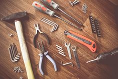 Homeowner's Basic Tool Kit,Cut a board, level a shelf; install an anchor bolt in a hollow wall. This class will stock your toolkit with the most useful tools and give you handso. Basic Tool Kit, Basic Tools, Work Tools, Palette Deco, Kallax Regal, Carpenter Tools, Wood Painting Art, Bohemian Style Bedrooms, Household Tips