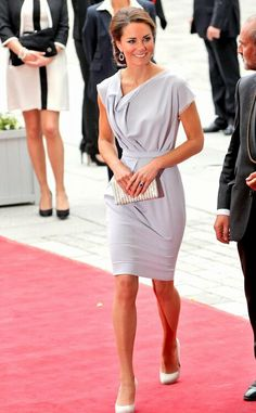 """Kate Middleton, Catherine, Duchess of Cambridge. If """"style"""" could be imbodied by one person it would be Kate Middleton! Lilac Dress, Gray Dress, Style Kate Middleton, Pantyhosed Legs, Princesa Kate, Love Her Style, Duchess Kate, Celebs, Celebrities"""