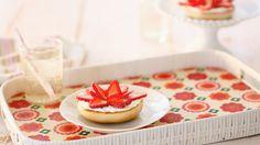 15 Fun Breakfast Ideas for Kids: Bloomin' Bagel #Hallmark #HallmarkIdeas