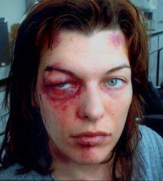 Milla Jovovich after a beating Horror Makeup, Scary Makeup, Sfx Makeup, Costume Makeup, Makeup Art, Makeup Looks, Special Makeup, Special Effects Makeup, Prosthetic Makeup