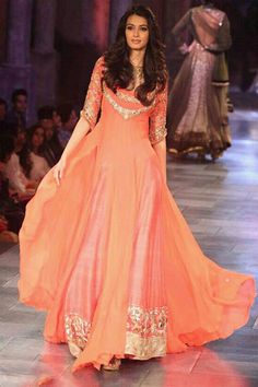 Diana Penty Bollywood Replica Lehenga
