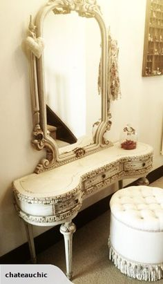 FRENCH VINTAGE DRESSING TABLE | Trade Me