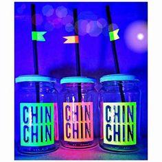 Best Water Bottle, Fiji Water Bottle, Neon Birthday, Neon Party, Ideas Para Fiestas, Bartender, Glow, Baby Shower, Diy