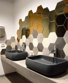 40 Beautiful Minimalist Bathroom Ideas and Designs — RenoGuide - Australian Renovation Ideas and Inspiration Minimalist Room, Minimalist Bathroom, Minimalist Interior, Modern Bathroom Design, Bathroom Interior Design, Dream Home Design, House Design, Transition Flooring, Plafond Design