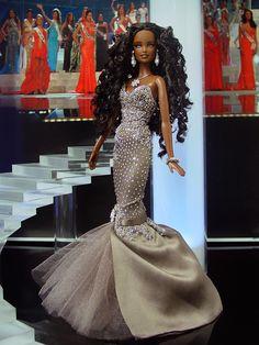 Miss California 2013 – Vestido inspirado del diseñador Tony Chaaya – Colección Primavera-verano de 2014