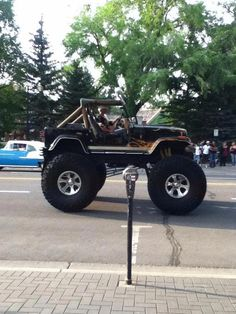 Jacked up jeep this is freakin awesome Cj Jeep, Jeep Cj7, Jeep Rubicon, Jeep Truck, Jeep Wranglers, Jacked Up Trucks, Big Trucks, Pickup Trucks, Lifted Jeeps