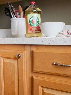 How to Clean Grease From Kitchen Cabinet Doors | Cleaning and ...