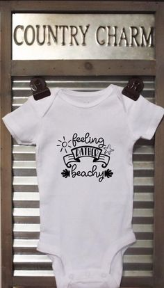 Feeling Rather Beachy baby bodysuit. This bodysuit is a perfect baby shower gift  *Bodysuits are Carter's brand. Please see their sizing chart if you aren't sure what size to order. *All bodysuits are white. The color you choose is for the text/image. *If you would like a colored bodysuit, please Baby Shirts, Onesies, Handmade Baby Items, Kids Beanies, Funny Babies, Baby Bodysuit, Bodysuits, Baby Dress, Crochet Baby