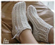 Iitun kesäpitsit ohje Boot Cuffs, Leg Warmers, Socks, Legs, Crafts, Knitting Ideas, Christmas Ideas, Diy, Fashion