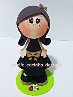 Boneca fofucha feita de EVA.