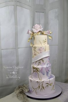"Wedding cake ""Dream in roses"". Hand-painted and sugar flowers. Painted Wedding Cake, Wedding Cake Roses, Floral Wedding Cakes, Beautiful Wedding Cakes, Gorgeous Cakes, Wedding Cake Designs, Amazing Cakes, Floral Cake, Pretty Cakes"
