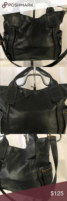 Fossil crossbody Looks great,little trace of dirt noted inside but easy to be clean. Fossil Bags Crossbody Bags