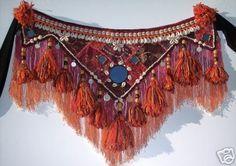 Old school tribal belly dance belt Boho Gypsy, Gypsy Style, Danza Tribal, Tribal Belly Dance, Belly Dance Belt, Belly Dancers, Tribal Fusion, Tribal Costume, Belly Dance Costumes