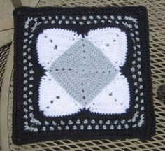 grannies quilt-style: square-in-a-square