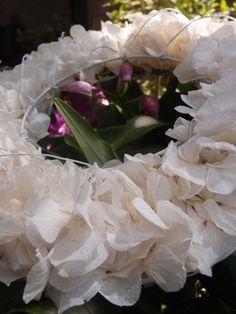 "Hydrangea Wedding Wreath Preserved Cream White Flowers 6.5"""