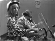 ▶ Do You Believe In Magic?-The Lovin' Spoonful - YouTube