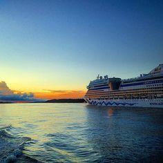 Bye bye Hamburg! AIDAsol sailing into the sunset