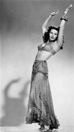 The Golden Year Collection - Yvonne De Carlo - Old Hollywood Glamour, Hollywood Actor, Golden Age Of Hollywood, Vintage Glamour, Vintage Hollywood, Hollywood Stars, Vintage Beauty, Hollywood Actresses, Classic Hollywood