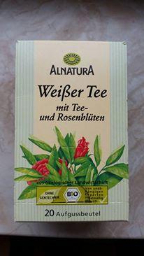Alnatura Weißer Tee mit Rosenblütenblätter ..Sehr lecker