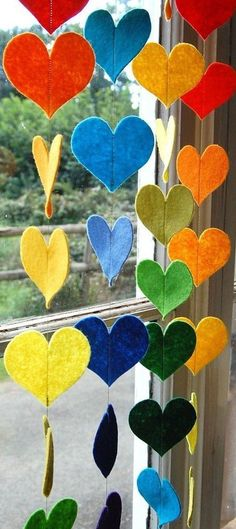 Hanging Rainbow Hearts – A Colorful Felt Decorative Garland. Hear Hanging Rainbow Hearts A Colorful Felt by therainbowroom on Etsy Rainbow Decorations, Heart Decorations, Valentine Decorations, Diy And Crafts, Crafts For Kids, Arts And Crafts, Deco Pastel, Deco Nature, Heart Garland