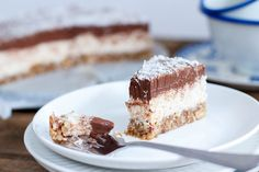 Een bounty in de vorm van een taart. Moet ik daar nog meer woorden aan vuil maken? Ja, want het wordt nog beter: hij is glutenvrij, lactosevrij én vegan!