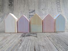 Shabby Chic Holzhäuser 5 Mini Holzhäuser von gedemuck auf Etsy