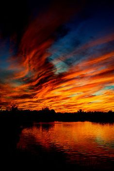 I love the shades of orange in this sunset. I want my sunset tattoo to have…