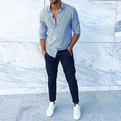 Blue jeans, sneakers and a striped shirt (or shorts). White Outfit For Men, Formal Men Outfit, Mens Fashion Semi Formal, Summer Outfits Men, Stylish Mens Outfits, Spring Outfits, Look Man, Outfit Jeans, Men's Jeans