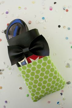 sunglasses case tutorial with a pleather bow!