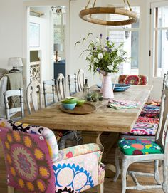 rustic + mismatched ~ how fun!