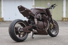 German Chocolate - Bad Bikes' 97 Suzuki Bandit  Custom Fighters