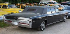 1969 Lincoln Continental Lehmann-Peterson limousine