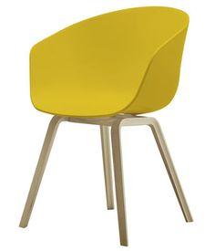 Fauteuil About a chair / 4 pieds Moutarde / Piètement bois naturel - Hay