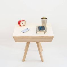 End table / Side table / Coffee table / Nightstand / Night