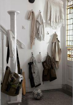 18-hall-hooks-coats-storage.jpg 450×650 pixels