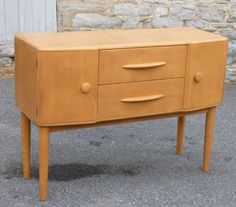 Sold for $450 in Oct.2015. PA. [2bidders] HEYWOOD-WAKEFIELD-BUFFET-SERVER-RARE-FORM-ON-LEGS-C-3709-CHAMPAGNE