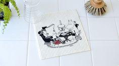 「スポンジワイプ」と呼ばれる北欧家庭で使われている布巾。ムーミンプリントがかわいいです。