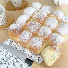 Discover recipes, home ideas, style inspiration and other ideas to try. Desserts With Biscuits, Brioche French Toast, Some Recipe, Croissants, Bread Baking, Baguette, Food Porn, Food And Drink, Cooking Recipes