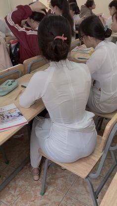Vietnamese Traditional Dress, Vietnamese Dress, Traditional Dresses, Sexy Hips, Sexy Curves, Sexy Long Dress, Vietnam Girl, Transparent Dress, Bollywood Girls