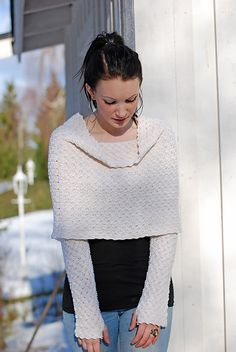 Ravelry: Woven Shrug pattern by Linda Marveng A Japanese inspired shrug that can be used several ways with a shawl pin. Make a laced polo neck and fasten the pin at the back creating a hood, or fold in a Japanese triangle at the front and fasten.