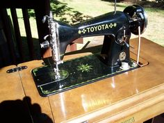 Vintage Toyota sewing machine Vintage Love, Vintage Beauty, Antique Sewing Machines, Couture Sewing, Sewing Toys, Sewing Accessories, Irons, Scissors, 1940s