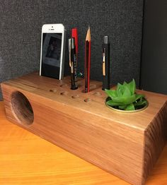 New project for year 9 woodwork students. Amplifier/desk tidy. #wood…