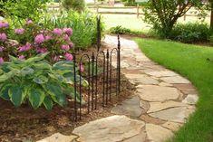 images of paths and walkways Crazy Paving, Garden Nook, Garden Stepping Stones, Yard Care, Stone Path, Garden Gates, Outdoor Projects, Dream Garden, Garden Landscaping