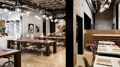 Co-working spaces are becoming more and more common as freelancing becomes more and more popular. Since this is the case co-working spaces are becoming a whole Coworking Space, Table Commune, La Sede, Cool Office, Office Ideas, Stylish Office, Desk Office, Office Designs, Small Office