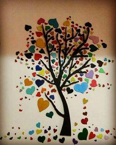 Strafor dan çok amaçlı sevgi ağacı. Ağaç 50.0 TL Kalpler 100 adet 80 TL.