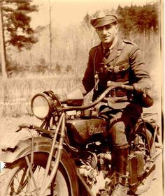 Jack Avedian, a member of the Massachusetts State Police motorcycle patrol on his Indian Motorcycle - circa - submitted by his nephew Pete Vintage Indian Motorcycles, American Motorcycles, Vintage Bikes, Vintage Motorcycles, Vintage Men, Vintage Cars, Vintage Photos, American Graffiti, Harrison Ford